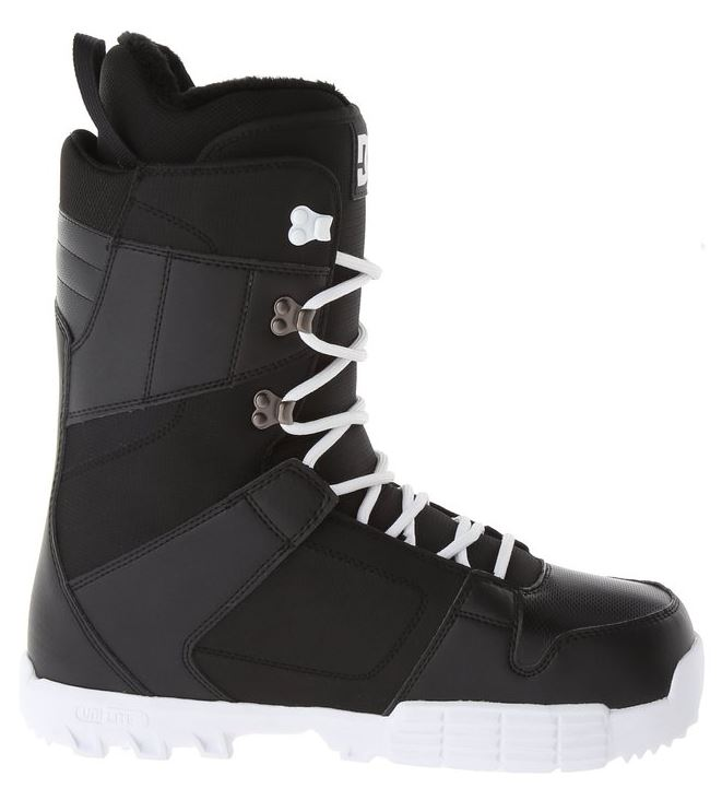 DC Men's Phase 15 Snowboard Boots - Maneuvering Around The Slopes 1