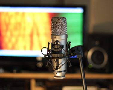 Here we have a list of best vocal mic under $1000